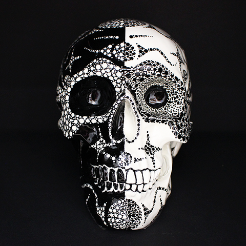 Resin Skull Harlequin .9.