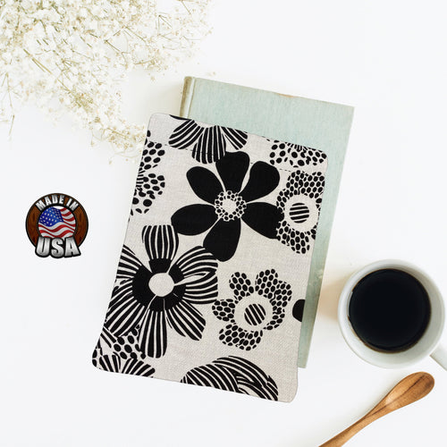 Groovy Black and White Big Bold Print Padded Book Sleeve | BookGoodies | Book Pocket | Protective Book Bag | Book Pouch | Bookish Nerd Gift