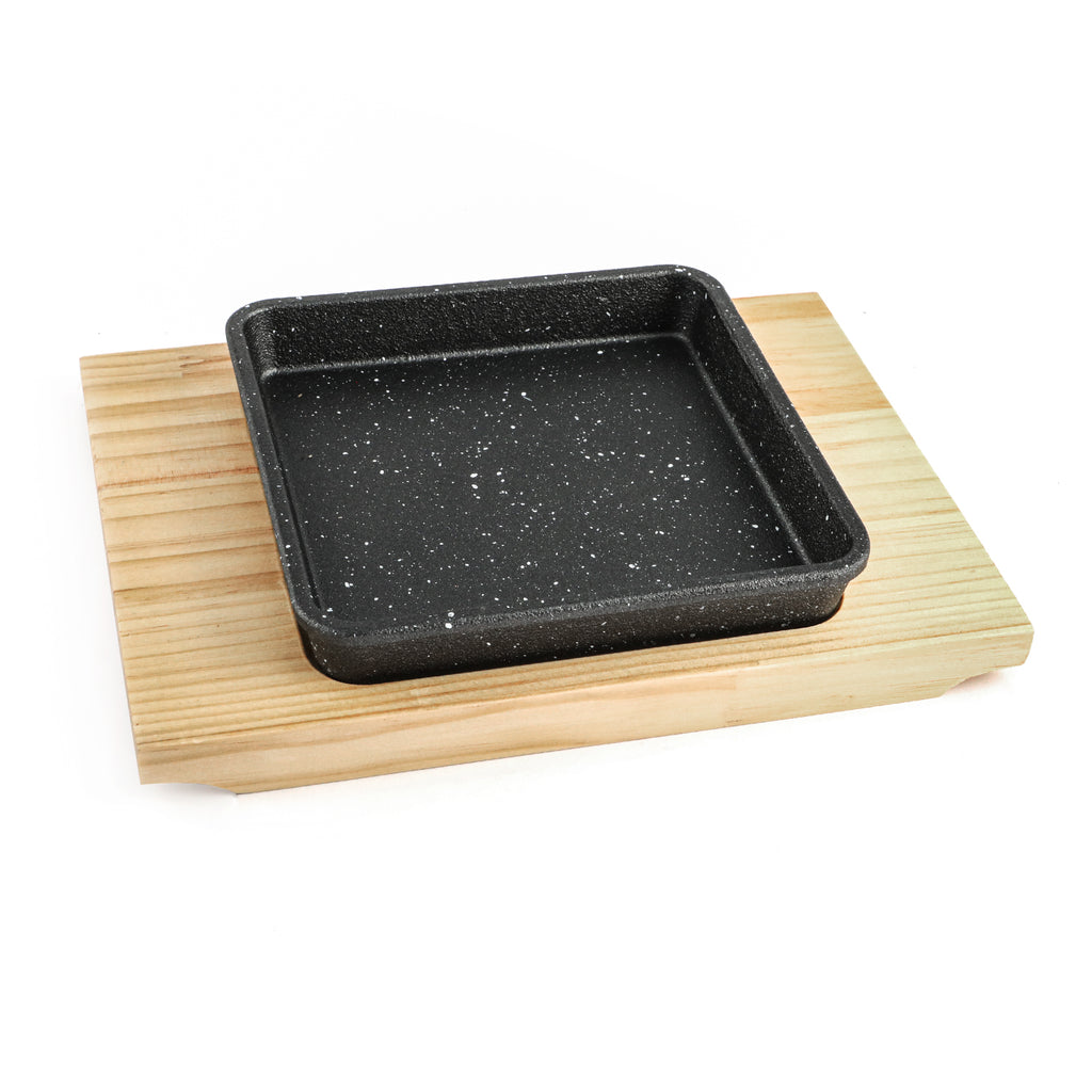 Square Sizzling cast iron with base available in different sizes