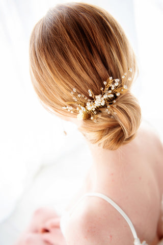 Maddie Bridal haircomb in pearls and Swarovski Crystal