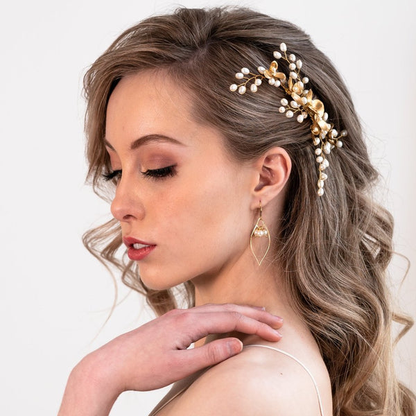 Freshwater pearl bridal comb gold