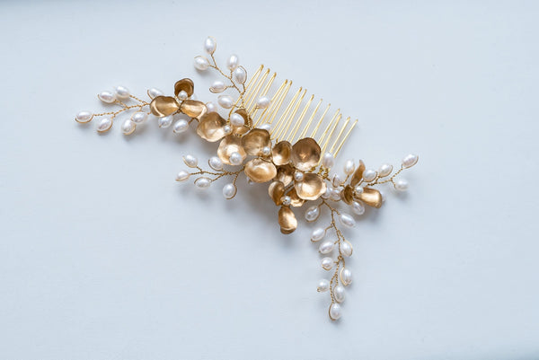 Freshwater bridal comb gold