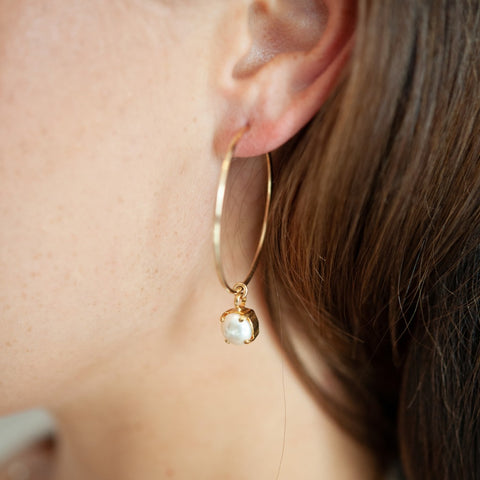 Molly 14kt Gold Hoop and Pearl Earring