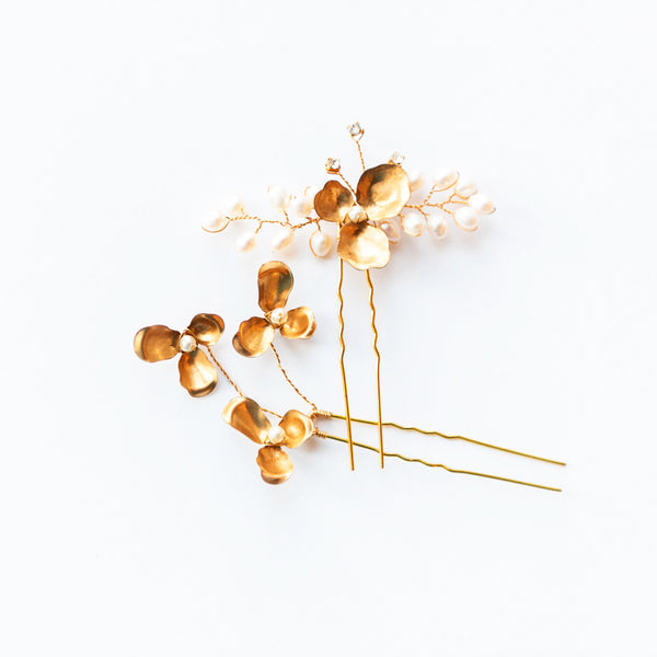 Daisy Flower and Pearl Bridal Hairpins