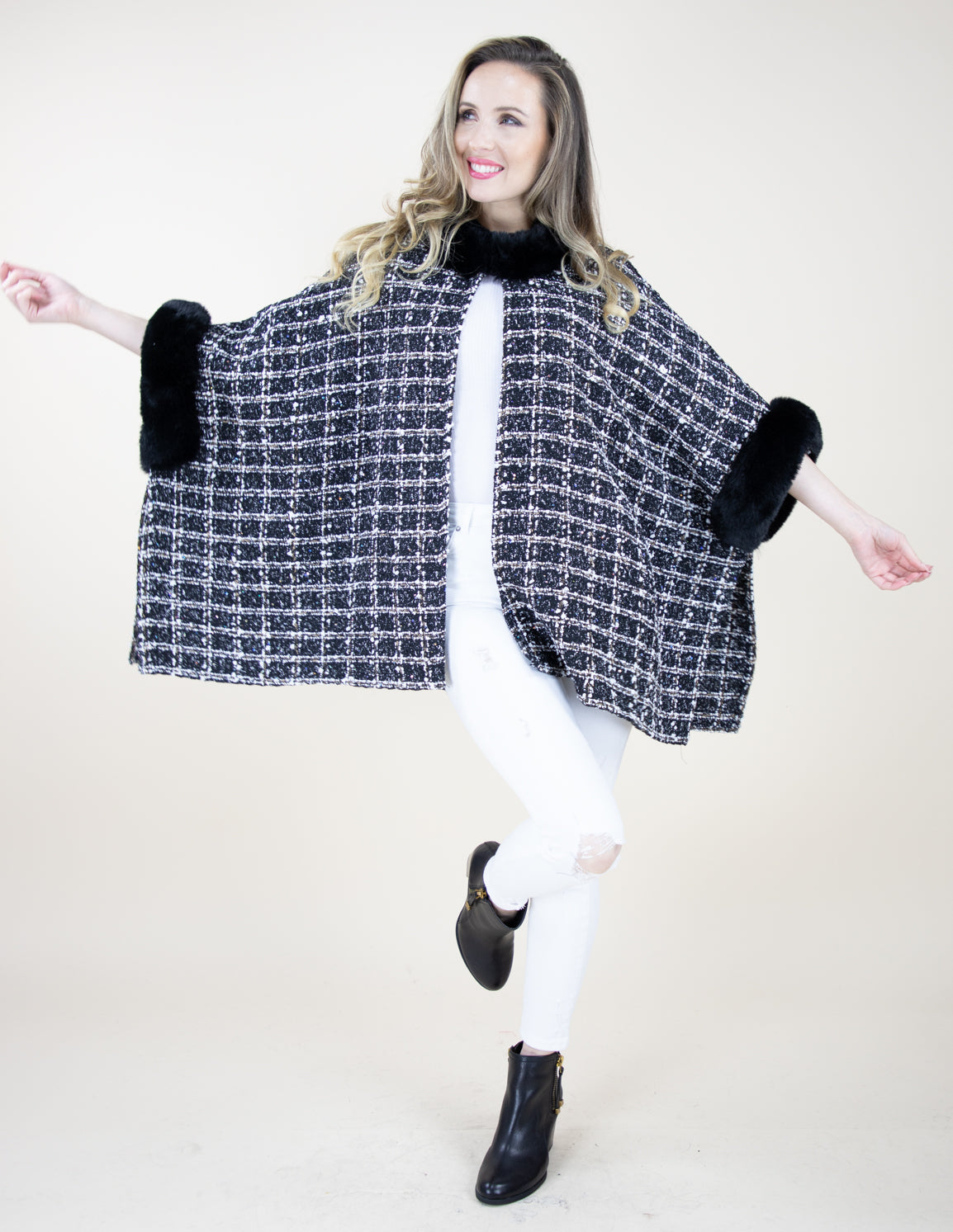 Black White Faux Fur Trimmed Tweed Pattern Cape