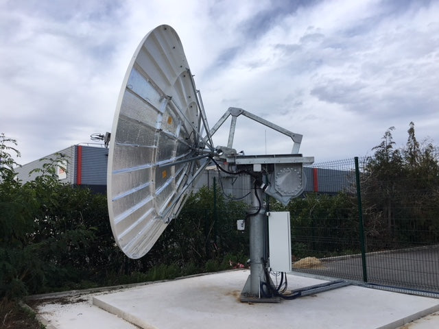 Antenna with motorisation