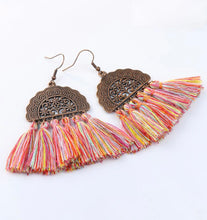 Load image into Gallery viewer, Kiss by cris stylish boho earrings