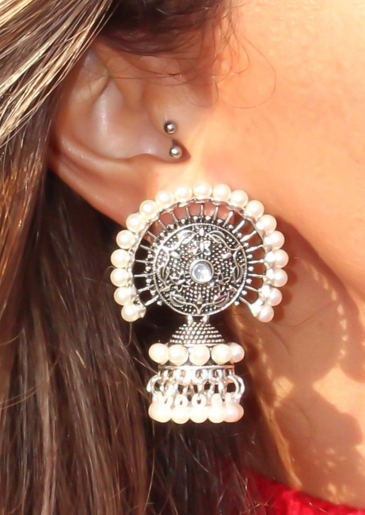 Pearl bell antique earring
