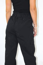 Load image into Gallery viewer, High waist frill trim cropped pants