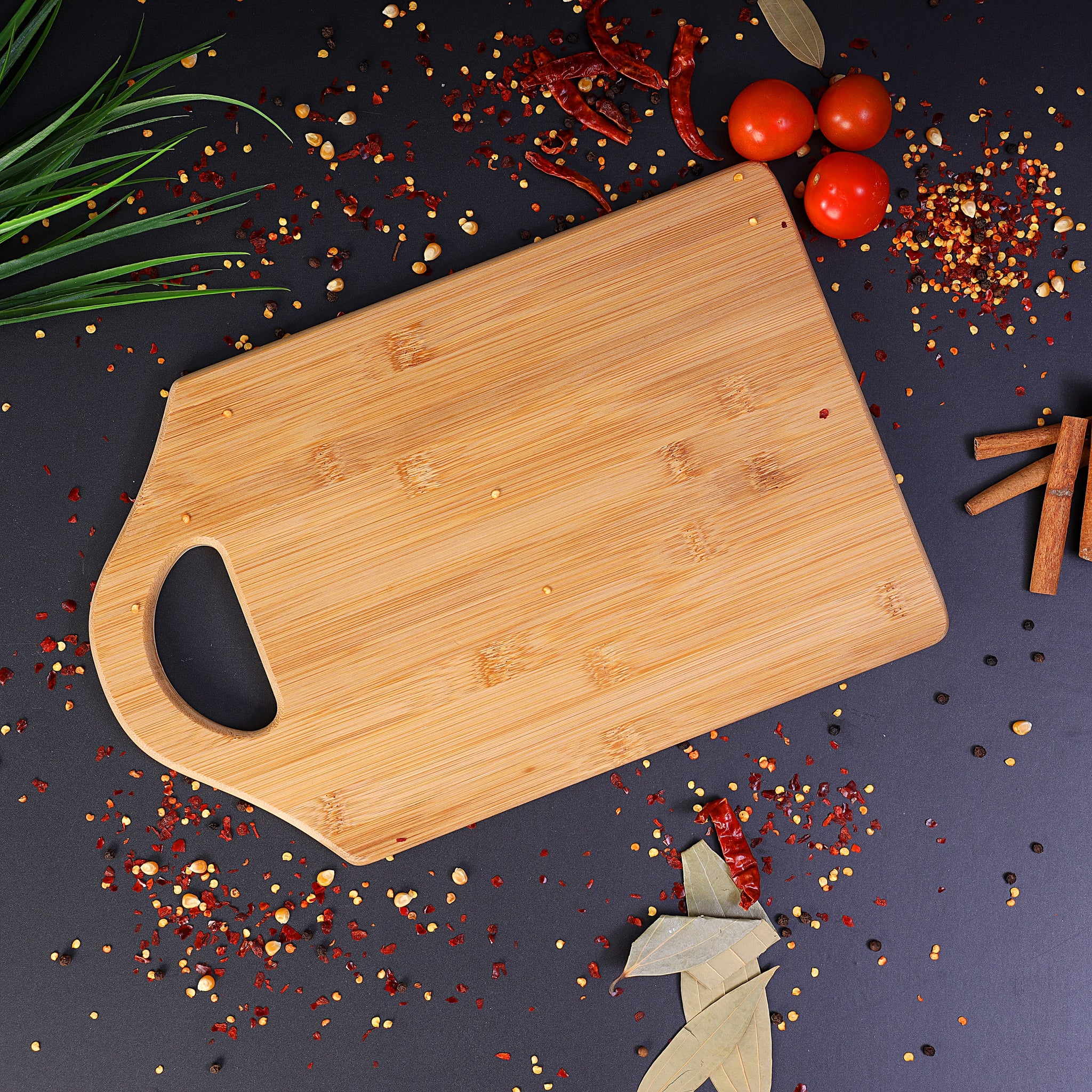 Wooden cutting board (35x25x1.6cm) 1x10