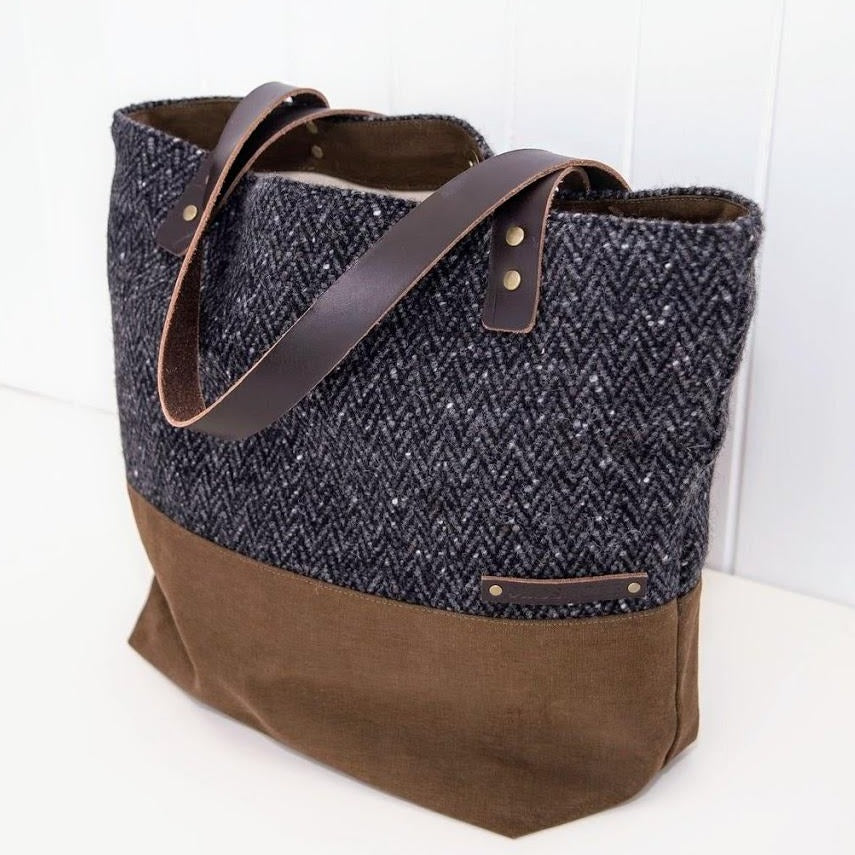 Mor – Tote Bag: Charcoal Grey