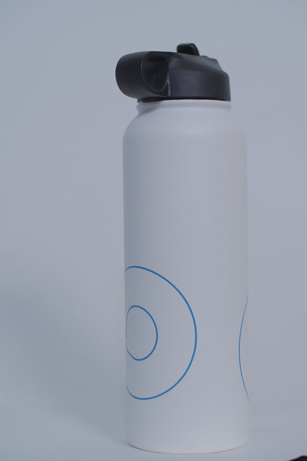 CLOUD9 40oz Stainless Steel Water Bottle. WHITE