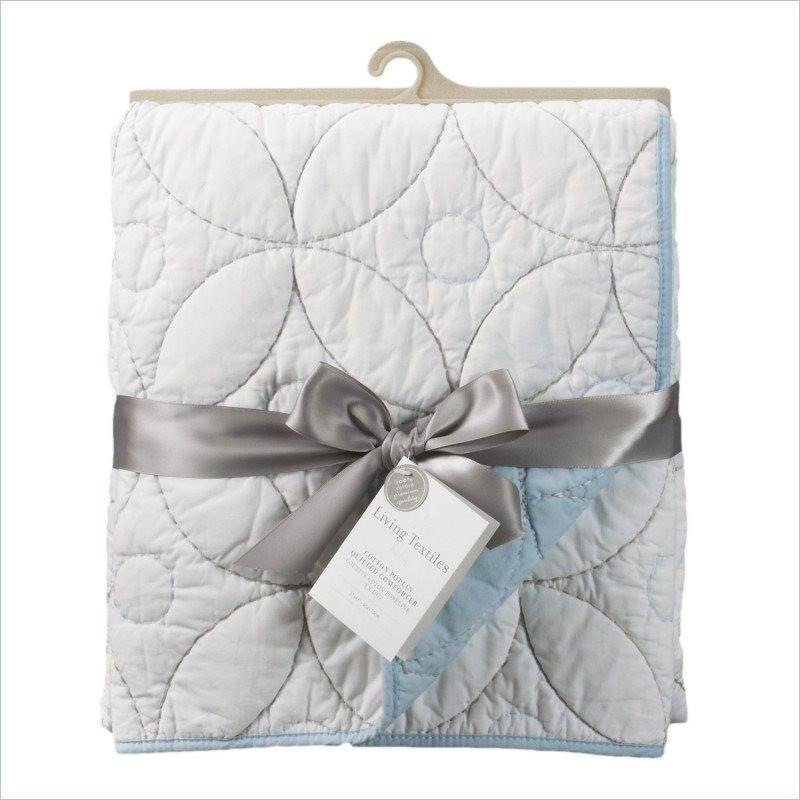 Living Textiles Bennet Cotton Poplin Quilted Comforter in White and Blue