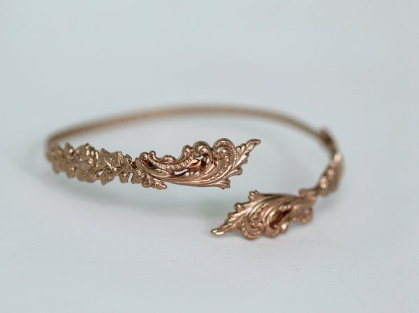 Baroque Roses Arm Band