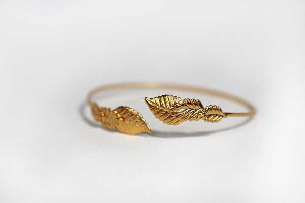 Three Tiny Leaves Bracelet