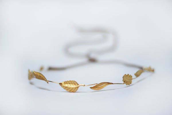 Classic Wreath Flexible Wire Headband.