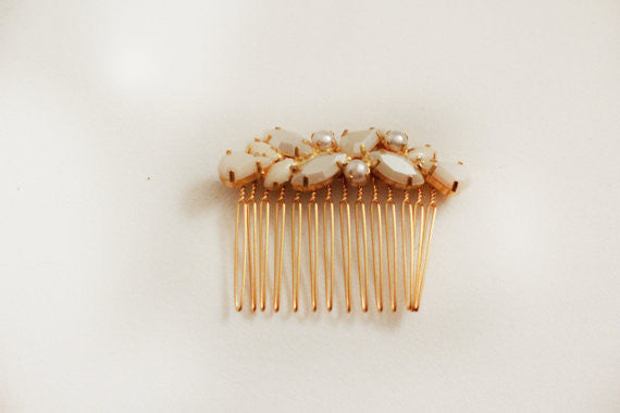 Embedded Pearls Comb