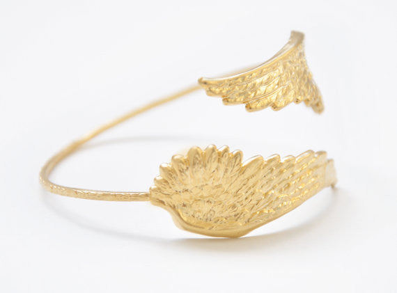 Medium Angel Wings Bracelet