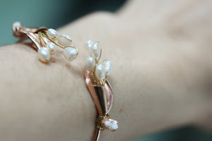 Wired Pearls Callalily Bracelet