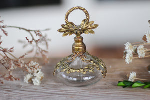 Antique Floral Berries Topper & Collar Perfume Bottle