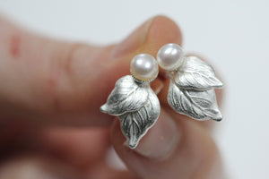 Aubrey Pearls Leaves Stud Earrings