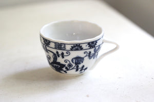 Antique Blue & White Tea Cup Set