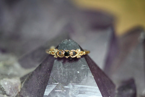 Black Crystal Goldfield Ring