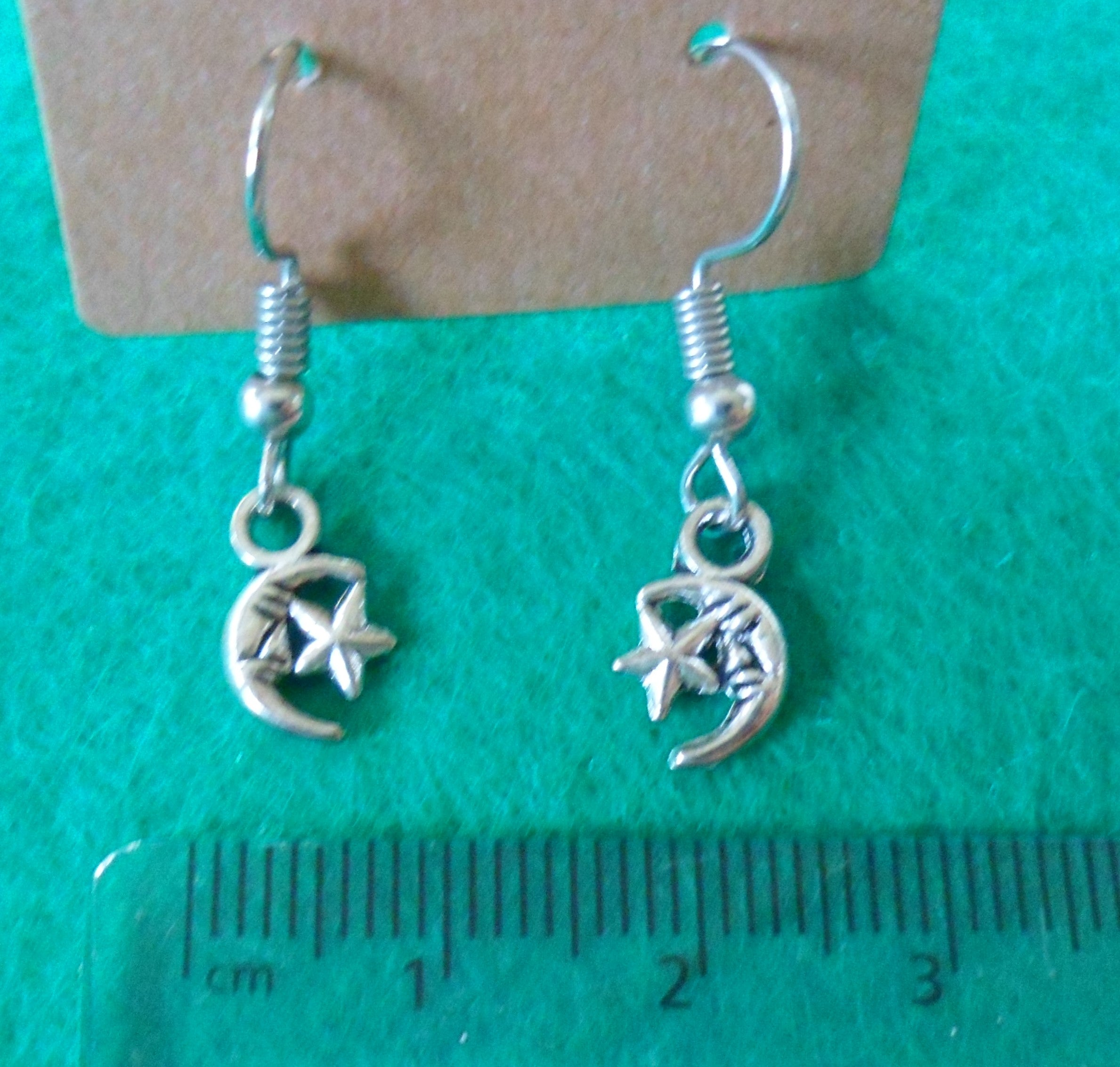 Moon and Star Earrings - Tully Crafts