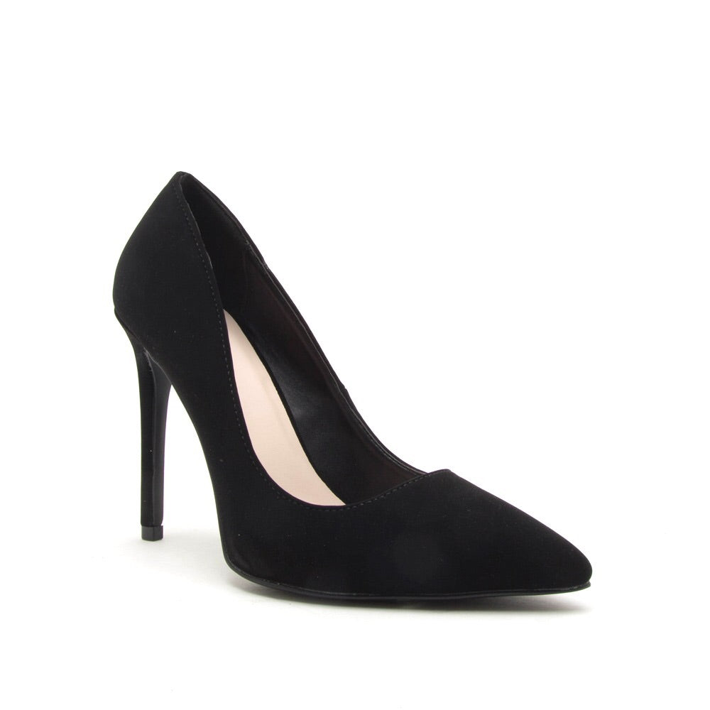 Showoff Black Pumps