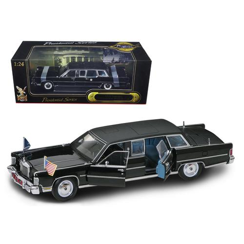 1972 Lincoln Continental Reagan Limousine Black 1/24 Diecast Model Car by Road Signature F977-24068bk