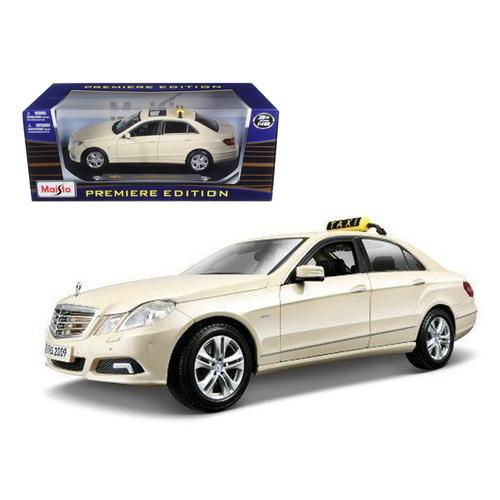2010 Mercedes E Class German Taxi 1/18 Diecast Model Car by Maisto F977-36191