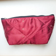 Load image into Gallery viewer, Flat sari zip pouch