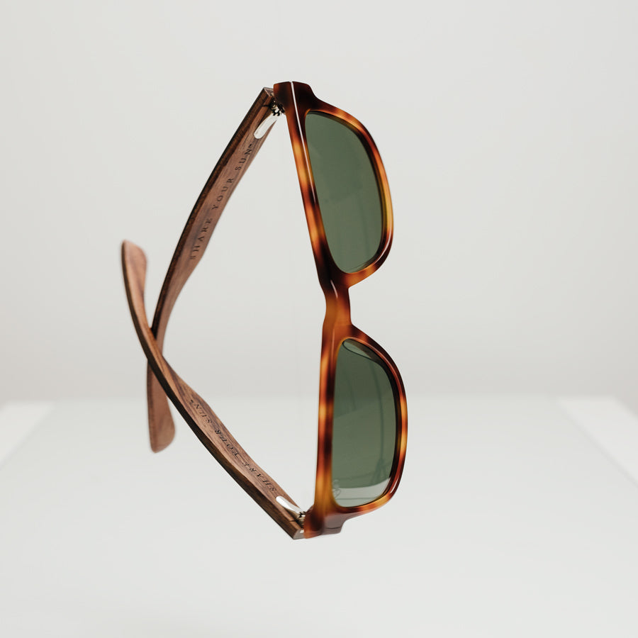 Otus-Caramel-hang-2-bird-sunglasses