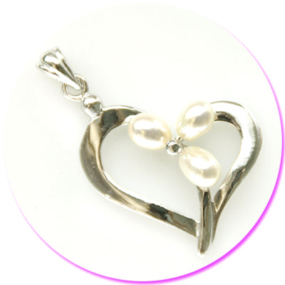 Heart Ring W/Three Pearls Silver Pendant