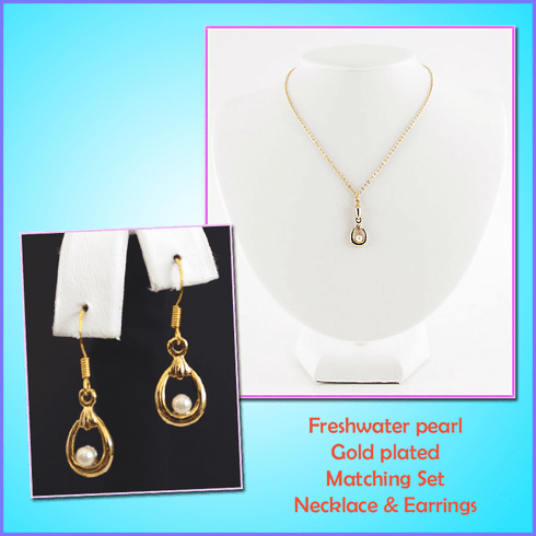 Freshwater pearl Matching Necklace and Earrings Set