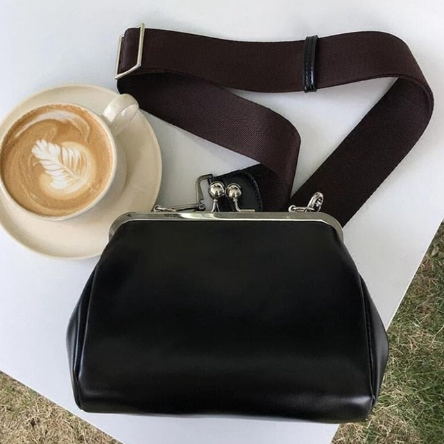 Luxury Clip Women's Crossbody Bags PU Leather Designer Wide Strap Shoulder Bag Large Shell Messenger Bag Ladies Fashion Purses
