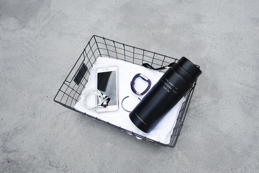 Vacuum flask can be used to keep cold drinks or hot tea