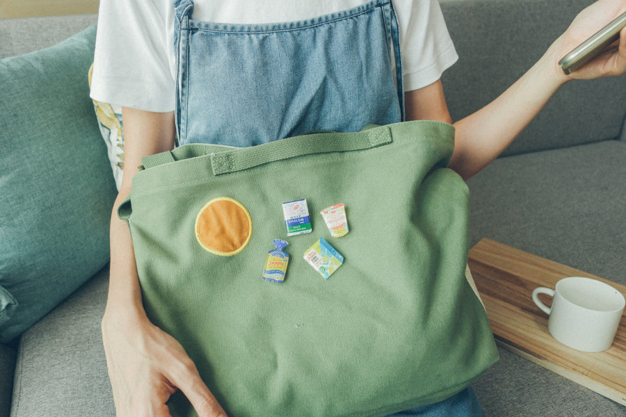 Enamel pins can be used to decorate bags creatively. Unleash your creative potential.