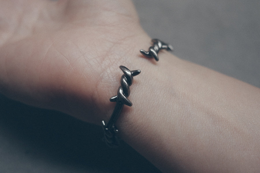 Gunmetal Crown of Thorns Wristband