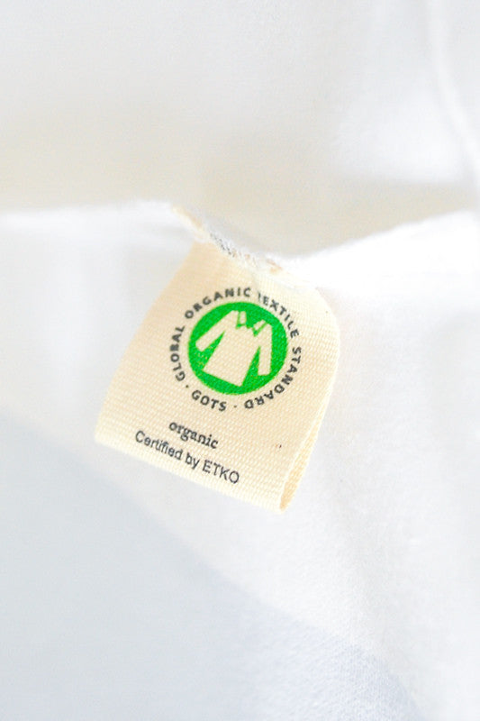 The T-shirt is certified organic by ETKO and it fulfils the Global Organic Textile Standard (GOTS).