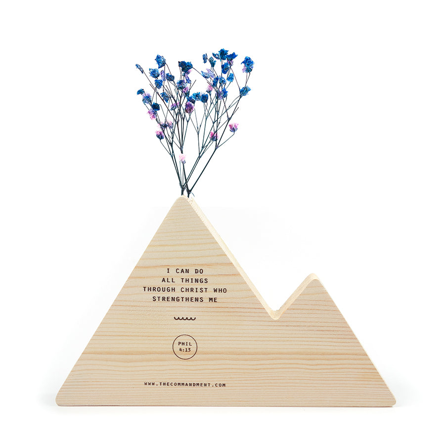 Wooden mountain vase with verse Philippians 4:13 ' I can do all things through Christ who strengthens me'.