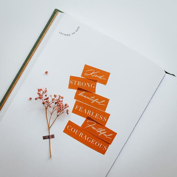 Beautiful rust orange colour washi tapes is perfect for journalling! It stands out beautifully against the crisp white paper