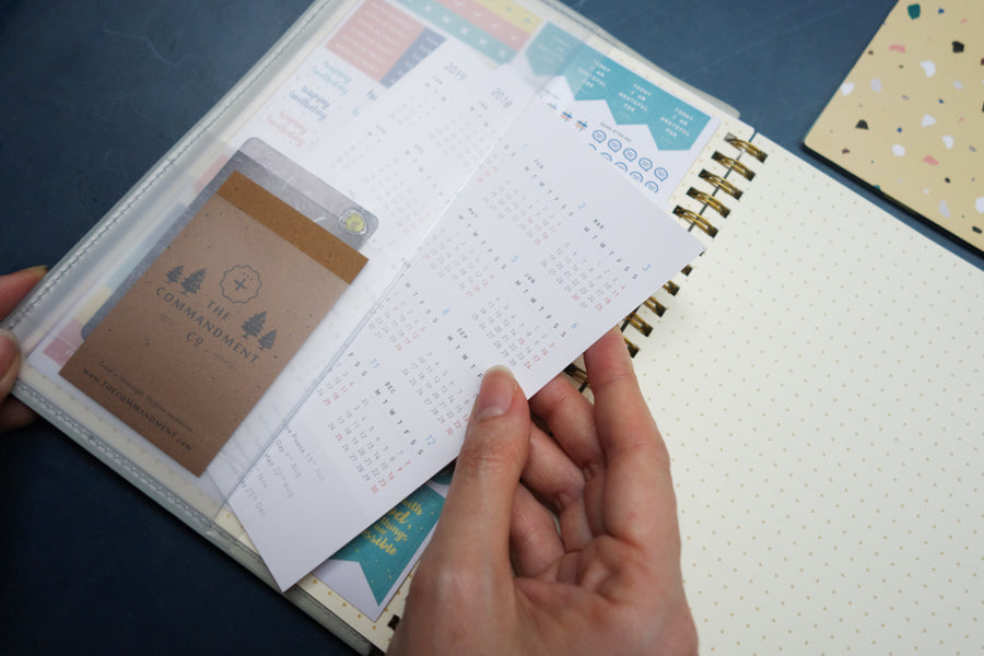 A mini a year at a glance is included in the planner.