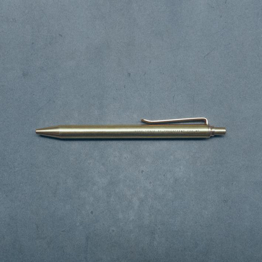 Brass pen. Measurement:13.7 cm x 1.1 cm. Opening: Click