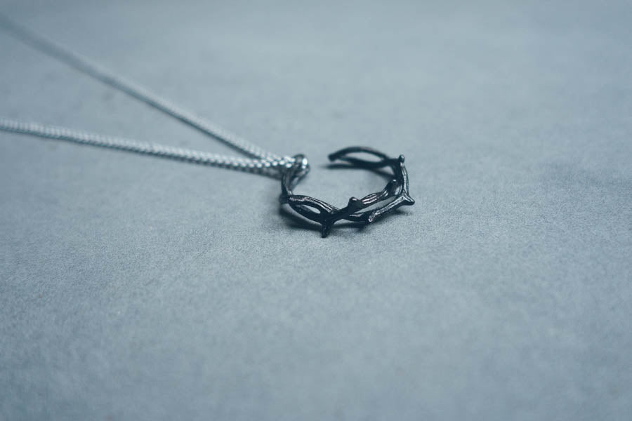Crown of Thorns {Necklace}