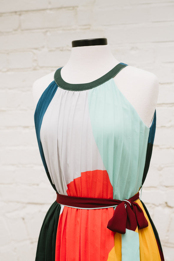 Color Block Pleated Shift Dress