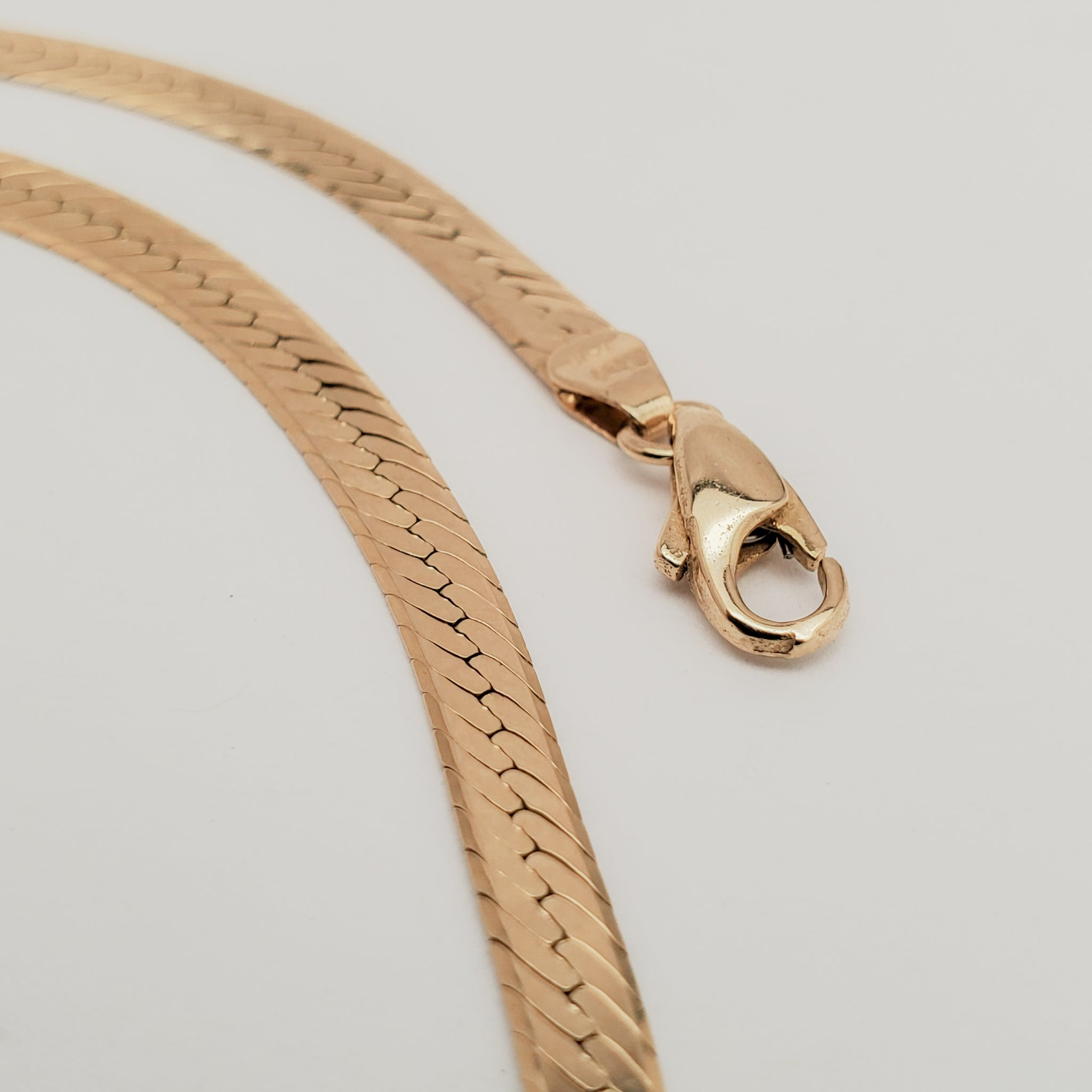 14K Yellow Gold Herringbone Chain - 18""