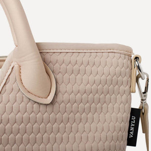 EMBOSSED SHOPPER NUDE