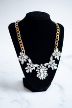 Load image into Gallery viewer, Bohemian Floral Necklace