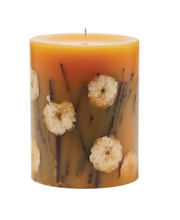 Load image into Gallery viewer, HONEY TOBACCO  MEDIUM ROUND BOTANICAL CANDLE